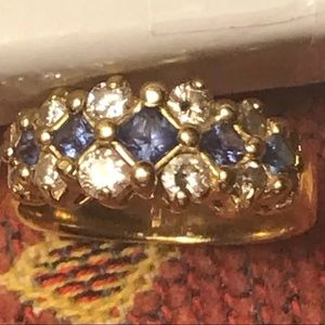 Sapphire and diamonds ring yellow gold